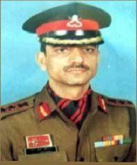 कर्नल रजिंदर चौहान ऑफिस यूनिट इंस्पेक्शन के लिए निकले थे और सड़क पर लगे आईईडी को आतंकवादियों ने ब्लास्ट कर दिया था।