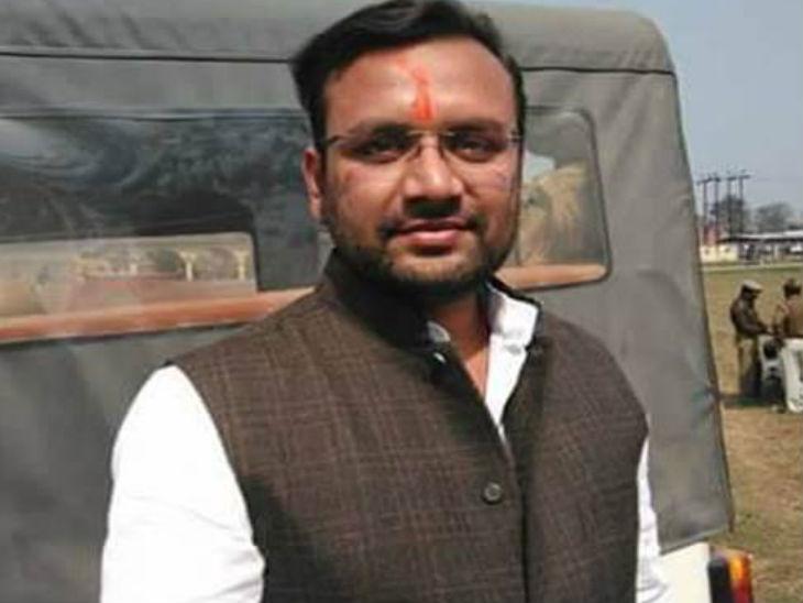 सीएम योगी के स्वर्गीय पिता के नाम पर मिली परमीशन से बद्रीनाथ जा रहे थे विधायक अमनमणि त्रिपाठी; पुलिस ने गिरफ्तार किया, अब जेल जाएंगे उत्तरप्रदेश,Uttar Pradesh - Dainik Bhaskar