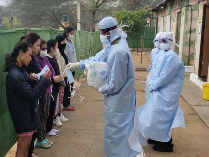 अमेरिका: भारतीय दवाओं के लिए परेशान, वीजा एक्सटेंशन को लेकर भी बढ़ रही दिक्कतें विदेश,International - Dainik Bhaskar