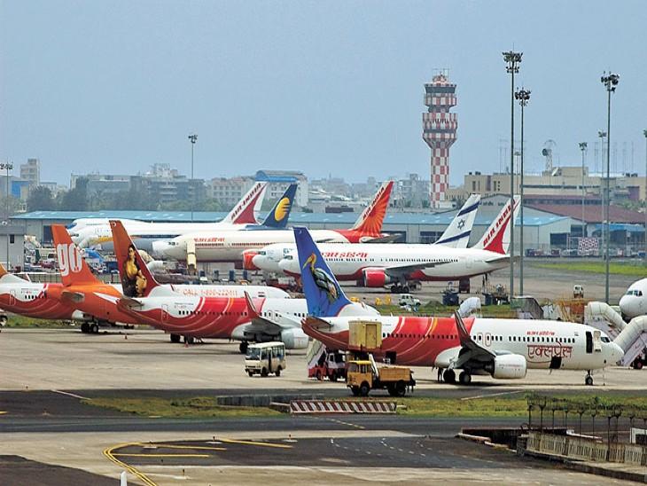 क्रिसिल ने रिपोर्ट में कहा है कि फिलहाल विमान सेवा कंपनियां अपने बेड़े में विस्तार नहीं करेंगी। - Dainik Bhaskar