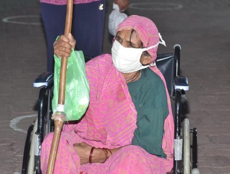 भोपाल से रविवार को 74 वर्षीय मालीदा समेत 32 लोग कोविड-19 को हराकर अस्पताल से डिस्चार्ज हुए। भोपाल में कोरोना का रिकवरी रेट 50 फीसदी से ज्यादा है।