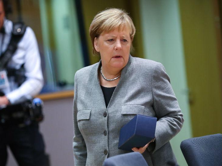 जर्मनी की चांसलर एंजेला मर्केल ने बुधवार को संसद में रूस पर अपनी जासूसी कराने का आरोप लगाया। उन्होंने कहा कि उनके अकाउंट हैक करने में शामिल संदिग्ध की पहचान कर ली गई है।(फाइल फोटो) - Dainik Bhaskar