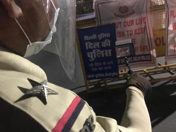 कोराना महामारी के पहले जामिया यूनिवर्सिटी, जेएनयू और दिल्ली में हुई हिंसा में दिल्ली पुलिस की भूमिका पर कई सवाल उठे थे।