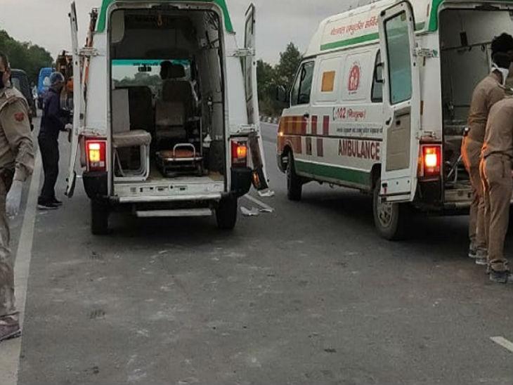 औरैया में शनिवार सुबह एक दर्दनाँक सड़क हादसा हो गया जिसमें 24 लोगों की मौत हो गई। हादसे के बाद राहत एवं बचाव कार्य चलाया जा रहा है।