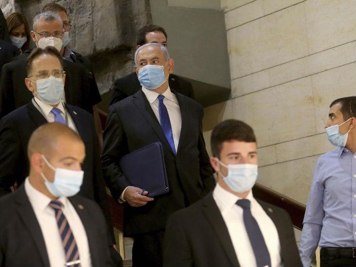 Benjamin Netanyahu becomes Prime Minister for the fourth consecutive time, Benny Gantz gets the Ministry of Defense | बेंजामिन नेतन्याहू लगातार चौथी बार प्रधानमंत्री बने, गठबंधन सरकार में बेनी गांत्ज को रक्षा मंत्रालय