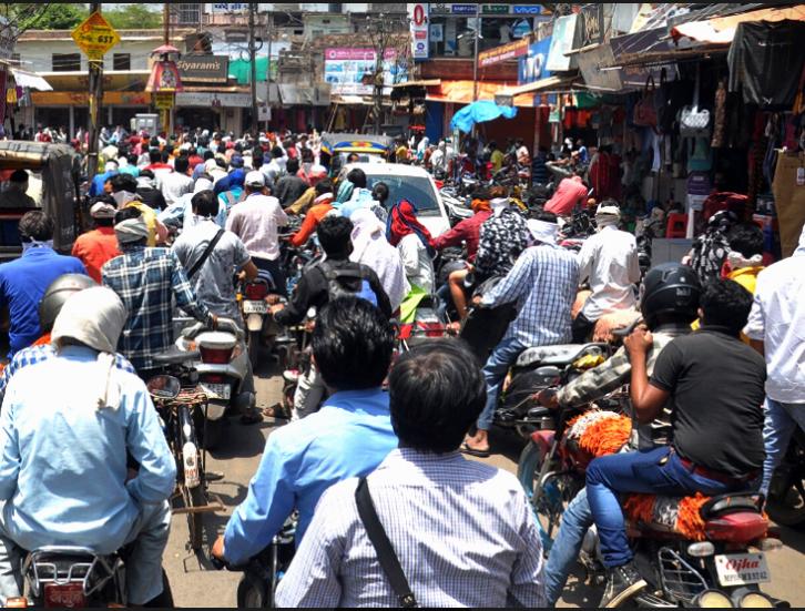 प्रदेश में संक्रमित मरीजों की संख्या 5465 पर पहुंची: ग्रीन जोन वाले जिलों में बाजार खुले, सोशल डिस्टेंसिंग का पालन नहीं हुआ मध्य प्रदेश,Madhya Pradesh - Dainik Bhaskar