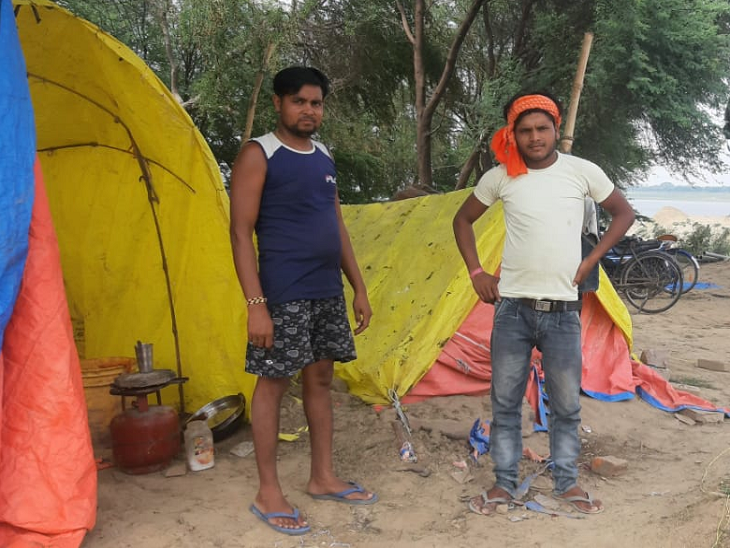 कैथी ग्राम पंचायत में 1500 लोग मल्लाह (मछुआरे) समुदाय के हैं। लॉकडाउन से पहले ये लोग मछली पकड़ कर बाजार में बेचा करते थे। मगर इन दिनों इनकी हालत बेहद खराब है।