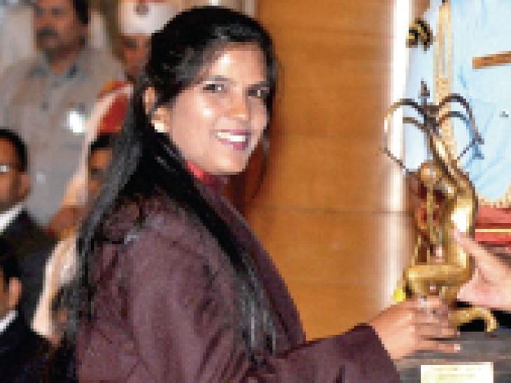 अर्जुन अवॉर्डी शूटर राजकुमारी राठौर इंदौर के निजी स्कूल में शूटिंग का ट्रेनिंग सेंटर चलाती हैं।