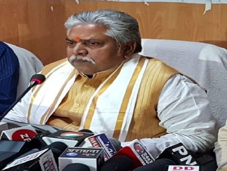 कृषि मंत्री प्रेम कुमार ने कहा कि बिहार में टिड्डियों का प्रकोप नहीं है लेकिन सतर्कता जरूरी है। - Dainik Bhaskar