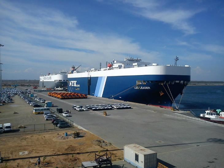ये तस्वीर हम्बनटोटा बंदरगाह की है। जब श्रीलंका-चीन ने मिलकर इस प्रोजेक्ट पर काम शुरू किया, तब भी श्रीलंका में इसको लेकर विरोध प्रदर्शन हुआ था। उस समय जानकारों ने इस प्रोजेक्ट को सबसे खराब भी बताया था।