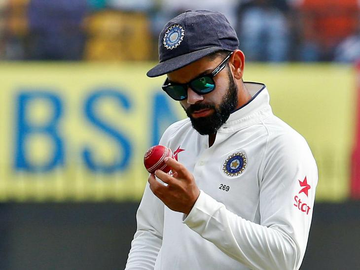 आईसीसी ने क्रिकेट में बॉल चमकाने के लिए लार के इस्तेमाल पर रोक लगाई।