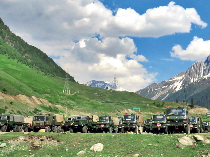 पूरी लद्दाख की गालवन घाटी में चीनी सैनिकों से हुई हिंसक झड़प के बाद भारतीय सैनिकों की तैनाती बढ़ाई जा रही है। वहां जाने से पहले सैनिकों ने बालटाल में तैयारी की।