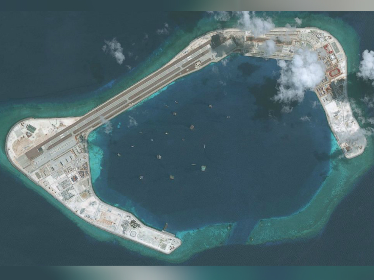 चीन ने दक्षिणी चीन सागर में स्प्रेटली चेन के पास आर्टिफिशियल आइलैंड बनाए हैं।