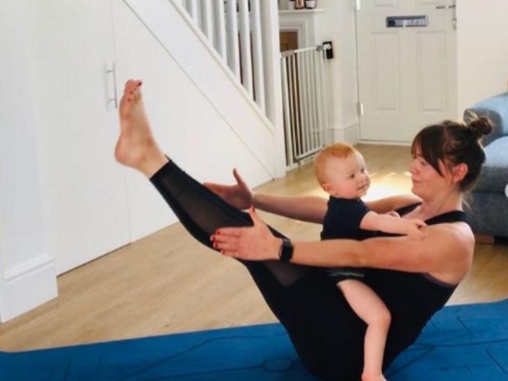 एमी मैगग्लिन का बेटा, उनकी योगा प्रैक्टिस का अहम हिस्सा है। लॉकडाउन में जब उनके आस-पास कोई योगा सीखने वाला नहीं था। तब इसी बेटे ने उनके और उनके योग के अकेलेपन को दूर किया।