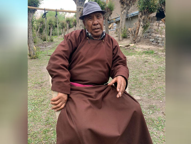 कैप्टन ताशी 1988 में रिटायर हो गए, तब से वो लेह के पास अपने गांव स्टोक में रहते हैं।