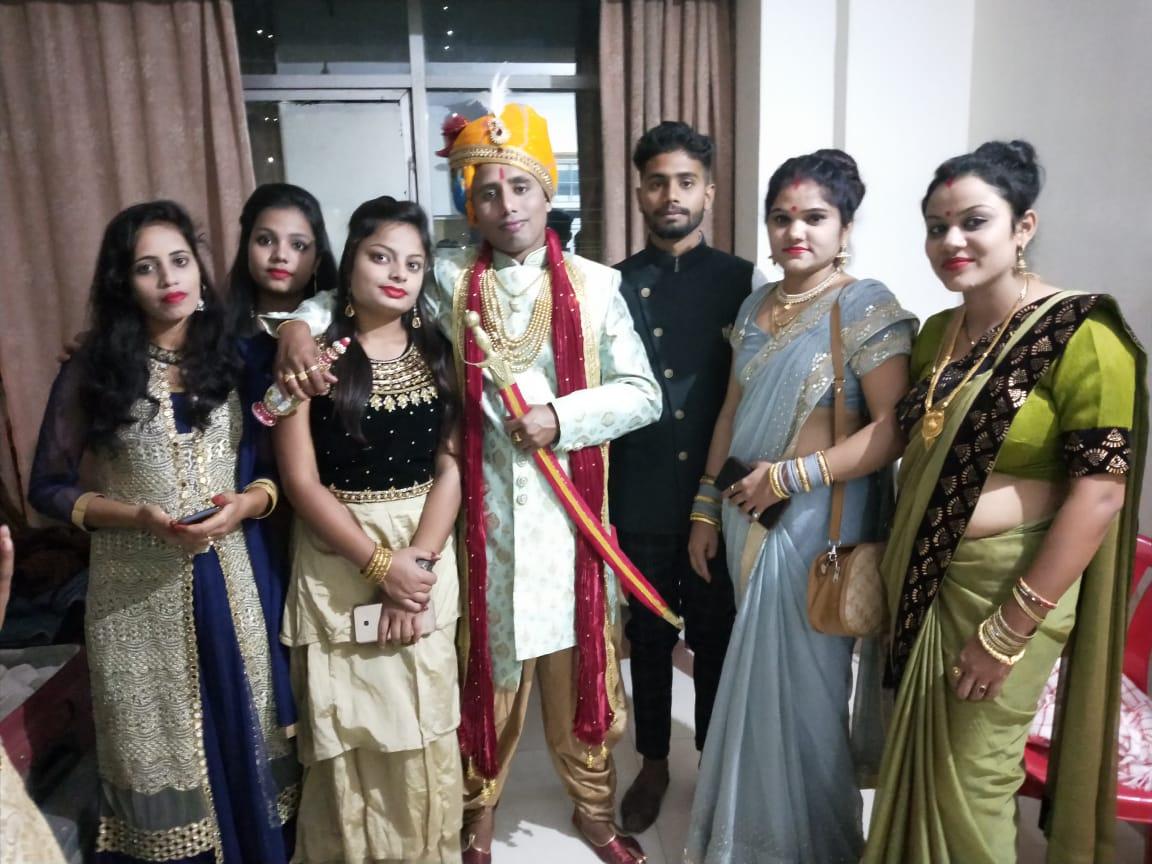 दीपक कुमार की शादी 30 नवंबर 2019 को ही हुई थी। शादी के बाद वो कुछ दिनों तक घर पर रुके थे, फिर ड्यटी पर लौट गए थे।