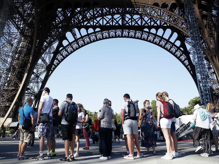 फ्रांस में लॉकडाउन लगाए जाने के बाद से ही एफिल टावर बंद कर दिया गया था। सेंकड वर्ल्ड वार के बाद दूसरी बार एफिल टावर इतने समय तक बंद रहा।