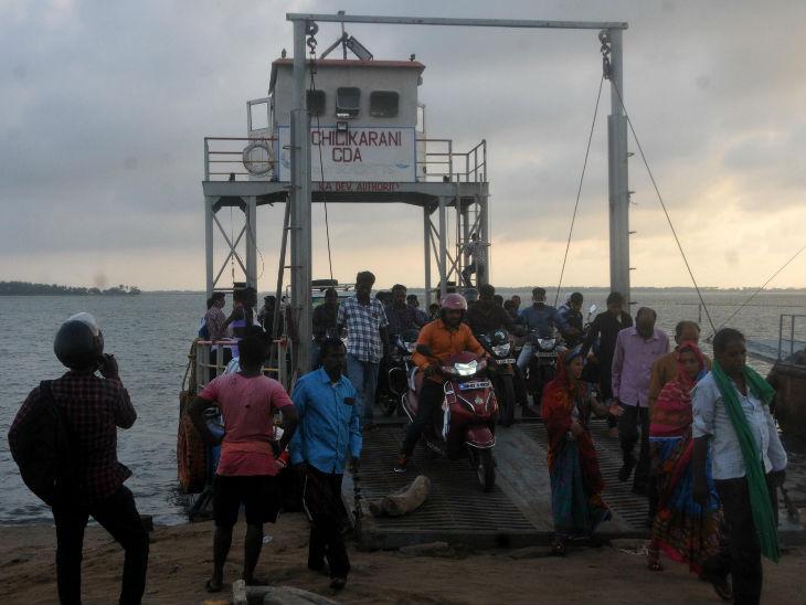 एमएल चिल्कारानी दिन में 4 फेरे लगाती हैं, जिसमें बैठकर लोग नौका विहार का आनंद लेते हैं।