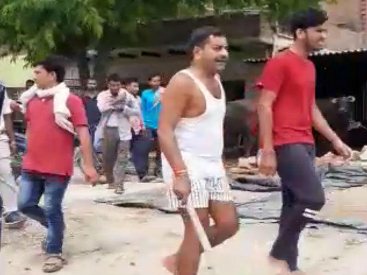 जमीनी विवाद में प्रधान के बेटे ने युवक की गोली मारकर हत्या की; पुलिस ने पांच आरोपियों को किया गिरफ्तार|उत्तरप्रदेश,Uttar Pradesh - Dainik Bhaskar