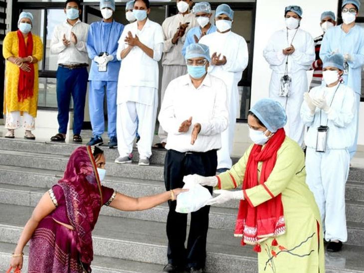 इंदौर में लौटा कोरोना संक्रमण; लगातार दूसरे दिन मरीजों की मौत, राज्य में 622 मरीज गवां चुके हैं जान, अब तक 15627 लोग संक्रमित|मध्य प्रदेश,Madhya Pradesh - Dainik Bhaskar