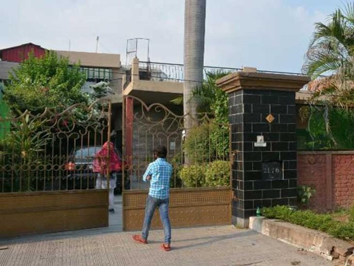 एक्टर आयुष्मान खुराना ने 9 करोड़ में कोठी खरीदी, पत्नी ताहिरा कश्यप के साथ रजिस्ट्री करवाने पहुंचे चंडीगढ़,Chandigarh - Dainik Bhaskar