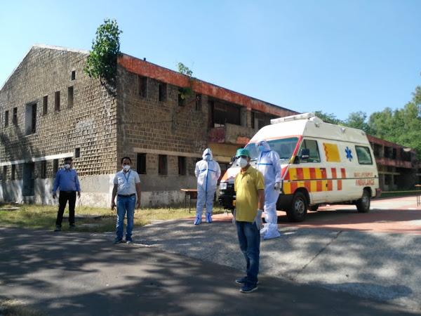 मंगलवार को पॉजिटिव पाया गया 30 वर्षीय व्यक्ति गरली रक्कड़ से है। यह चार जुलाई को केरल से लौटा था।युवक पैरामिलिट्री फोर्स का जवान है और अब उसे कोविड केयर सेंटर डाढ शिफ्ट किया गया है। - Dainik Bhaskar