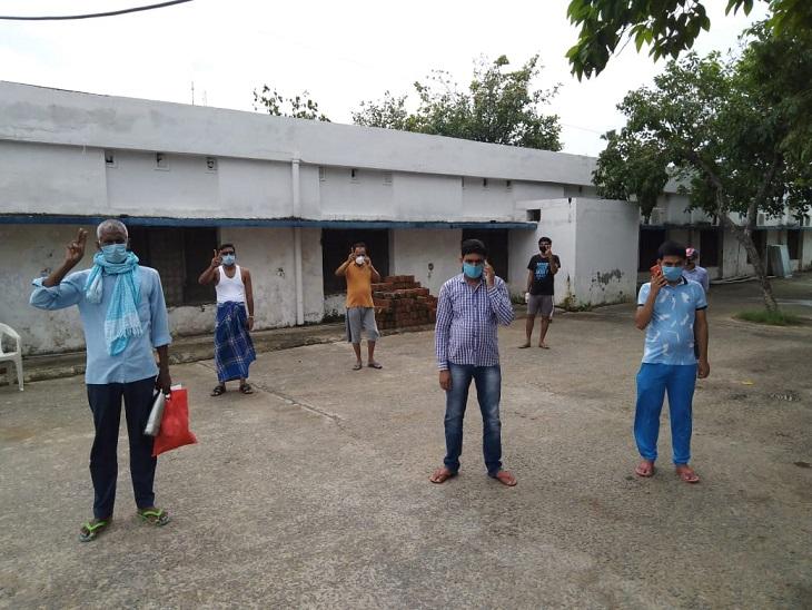 जांच रिपोर्ट निगेटिव आने के बाद 7 लोगों को एनएमसीएच से छुट्टी मिल गई। - Dainik Bhaskar