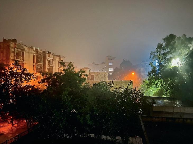 दिल्ली-एनसीआर में बदला मौसम का मिजाज, नोएडा-ग्रेटर नोएडा में भी झमाझम बारिश, गर्मी से मिली राहत दिल्ली + एनसीआर,Delhi + NCR - Dainik Bhaskar