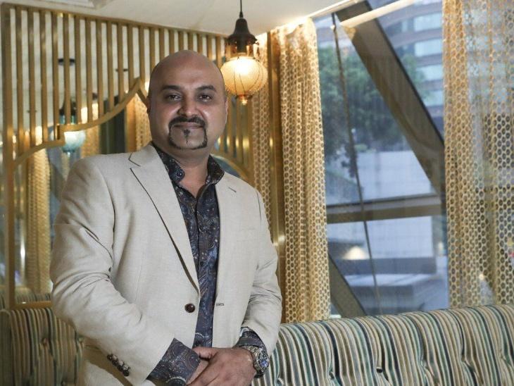 वुडलैंड्स इंडियन वेजिटेरियन रेस्टोरेंट के ओनर अरुण एलेक्स पुडुपडी एगानाथन हॉन्गकॉन्ग में साउथ इंडियन डिशेज के नए फ्लेवर लोगों के लिए पेश करते हैं।