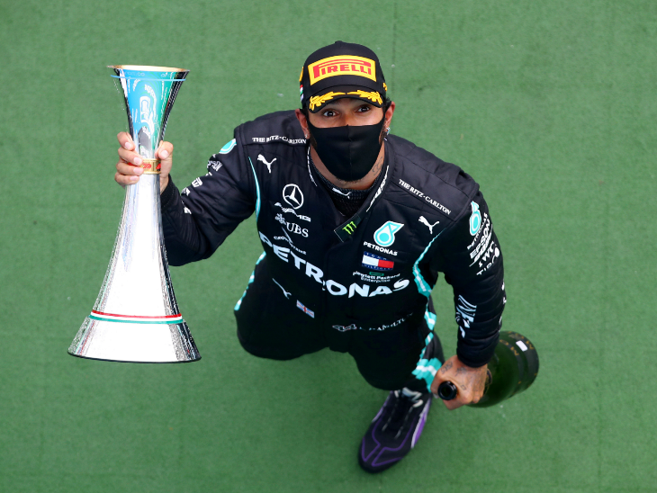 हैमिल्टन ने 8वीं बार हंगेरियन ग्रांप्री जीती; किसी एक ट्रैक पर सबसे ज्यादा रेस जीतने के शूमाकर के रिकॉर्ड की बराबरी की, यह उनकी 86वीं जीत|स्पोर्ट्स,Sports - Dainik Bhaskar
