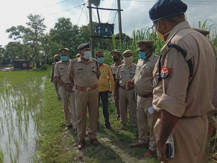 देवरिया में युवक की हत्या कर भाग रहे शख्स ने मॉब लिंचिंग के डर से खुद को गोली मार ली; पत्नी को मारने पहुंचा था सुसाइड करने वाला|उत्तरप्रदेश,Uttar Pradesh - Dainik Bhaskar