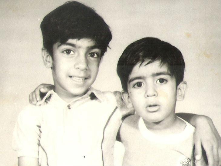 कैप्टन सौरभ कालिया अपने छोटे भाई वैभव कालिया के साथ। वैभव अभी पालमपुर में असिस्टेंट प्रोफेसर हैं।