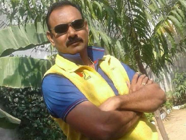जालौन में सिपाही ने फांसी लगाकर की खुदकुशी; पुलिस जांच में उलझी, नहीं मिला कोई सुसाइड नोट|उत्तरप्रदेश,Uttar Pradesh - Dainik Bhaskar
