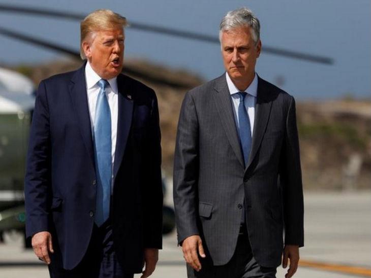फोटो में राष्ट्रपति डोनाल्ड ट्रम्प (बाएं) और एनएसए रॉबर्ट ओ'ब्रायन हैं। उन्हें पिछले साल सितंबर में राष्ट्रीय सुरक्षा सलाहकार बनाया गया था। (फाइल फोटो)