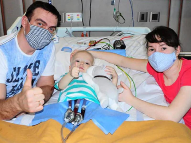 3 साल के रूसी बच्चे को चेन्नई के हॉस्पिटल में कृत्रिम बर्लिन हार्ट लगाया गया, अस्पताल जाने से पहले उसे 2 बार दिल का दौरा पड़ चुका था|लाइफ & साइंस,Happy Life - Dainik Bhaskar