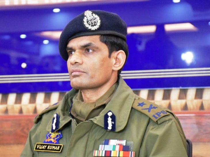 जम्मू-कश्मीर पुलिस के आईजी विजय कुमार ने कहा कि एंटी टेररिस्ट ऑपरेशन के साथ ही हम लोग इंटेलिजेंस पर फोकस कर रहे हैं, ताकि आतंकी गतिविधियों पर कंट्रोल किया जा सके।