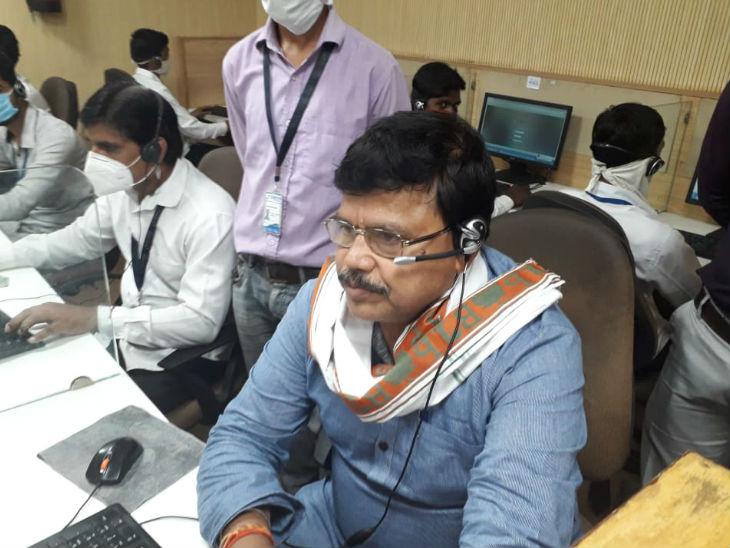 मंत्री ने 21 जुलाई को कॉल सेंटर पर बिजली उपभोक्ताओं से फोन पर बात की। -फाइल फोटो
