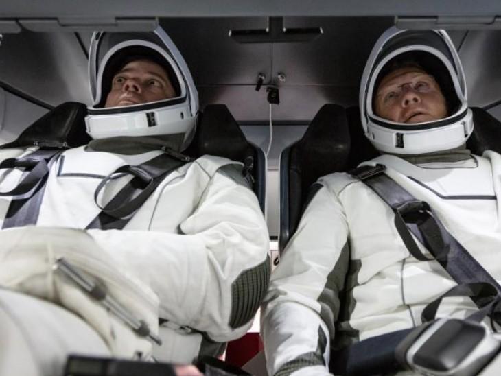ड्रैगन कैप्सूल से आईएसएस पहुंचे एस्ट्रोनॉट बेनकेन और हर्ले ने 100 घंटे अंतरिक्ष में काम किया।
