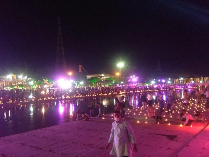 दूसरे दिन में अयोध्या में दिखा उत्साह का माहौल।