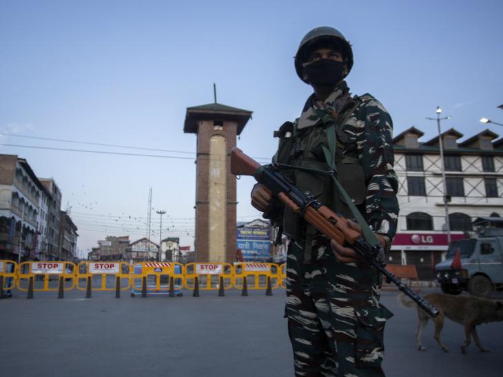ये तस्वीर श्रीनगर के लाल चौक की है। (फोटो क्रेडिटः आबिद बट)