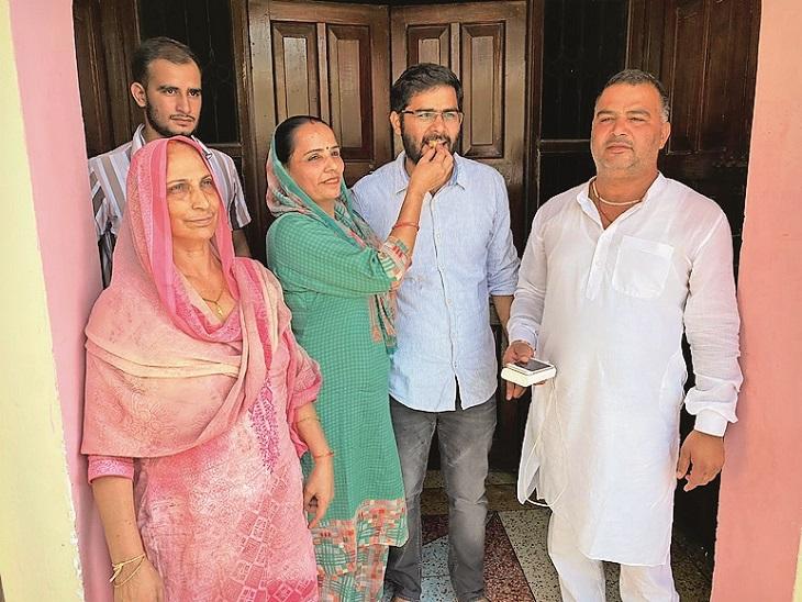 खेड़ला गांव के परीक्षित खटाना ने रोजाना दस घंटे पढ़ाई कर यूपीएससी में 184वां रैंक किया हासिल|गुड़गांव,Gurgaon - Dainik Bhaskar