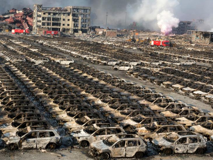 ये तस्वीर तियानजिन शहर के एक पार्किंग लॉट की है। धमाके में यहां खड़ी सारी गाड़ियां जलकर खाक हो गई थीं।