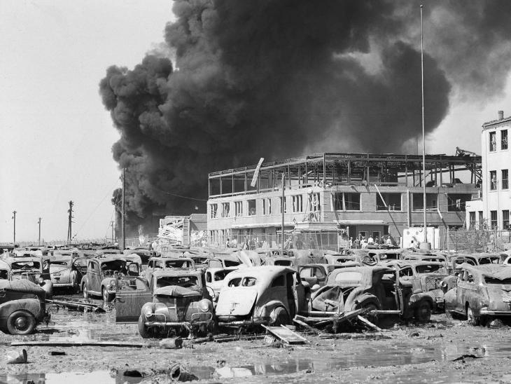 टेक्सास में हुए इस धमाके में उस समय 100 मिलियन डॉलर का नुकसान हुआ था, जो आज के हिसाब से 1.1 बिलियन डॉलर यानी 8 हजार करोड़ रुपए से ज्यादा होता है।
