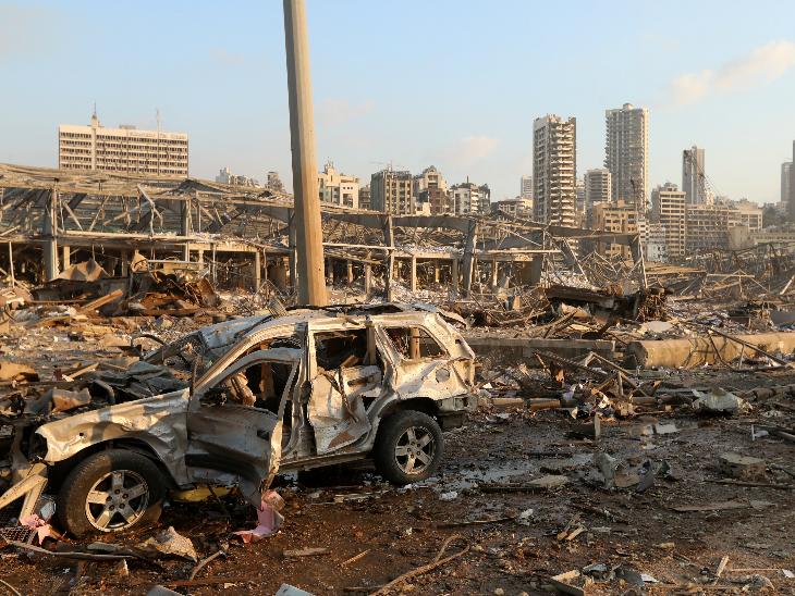 बेरूत में हुआ धमाका इतना खतरनाक था कि आसपास का 10 किमी का इलाका पूरी तरह तबाह हो गया।
