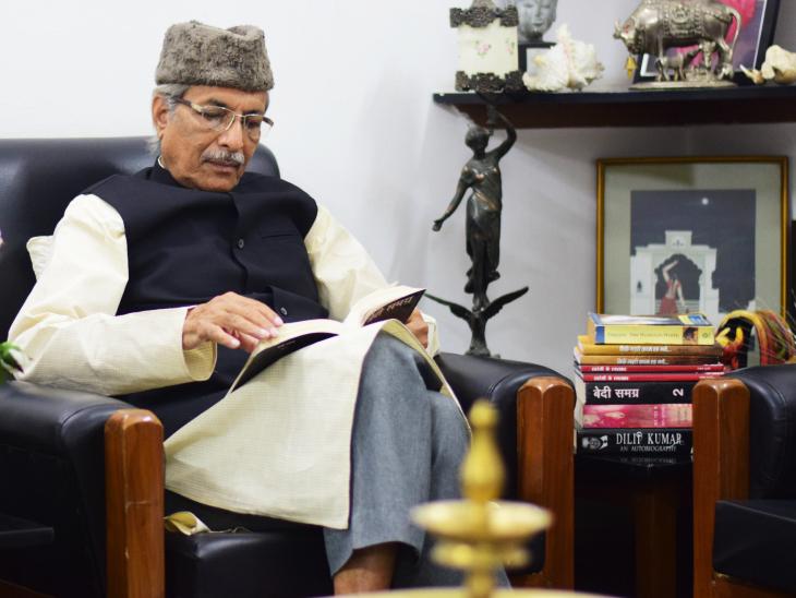 भोपाल के साहित्यकार श्याम मुंशी ने अपनी किताब 'सिर्फ नक्शे कदम रह गए' में 'दार-उल-कोहला' के बारे में विस्तार से लिखा है।