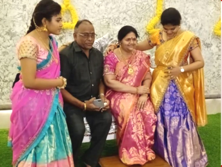 पत्नी की याद में मोम की प्रतिमा बनाई, उसके साथ ही नए घर में किया गृह प्रवेश; 2017 में कार एक्सीडेंट में हुई थी पत्नी माधवी की मौत|लाइफ & साइंस,Happy Life - Dainik Bhaskar