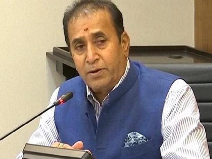 गृह मंत्री इससे पहले सीबीआई जांच की मांग का विरोध करते रहे हैं। -फाइल फोटो। - Dainik Bhaskar