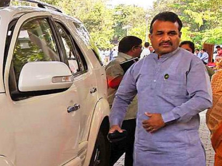 बाला साहेब पाटिल सातारा के संरक्षक मंत्री भी हैं। -फाइल फोटो। - Dainik Bhaskar