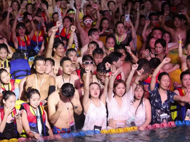 The pool party is mostly made up of young people. They include both boys and girls.