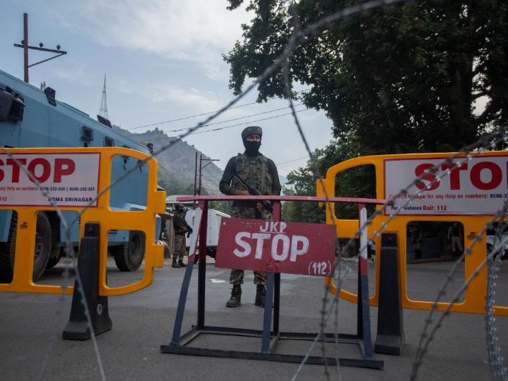 पिछले साल 5 अगस्त को अनुच्छेद 370 हटाए जाने के बाद जम्मू-कश्मीर में हाईस्पीड इंटरनेट सेवा बंद कर दी गई थी।